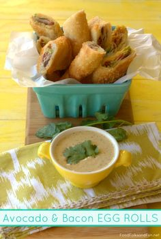 Liven things up a bit by taking a classic finger food, like egg rolls, and adding a new avocado-and-bacon twist! No party or fiesta spread is complete without this. Finger Food Appetizers, Best Appetizers, Finger Foods, Appetizer Recipes, Party Recipes, Bacon And Egg Roll, Bacon Egg, Avocado Recipes, Healthy Recipes