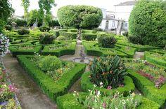 File:Biscainhos Garden., Mosteiro de Biscainhos, Cidade de Braga