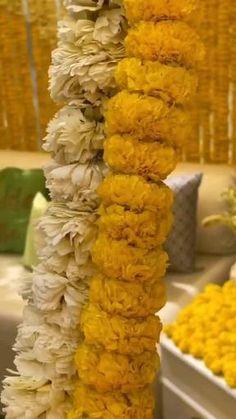 Wedding Backdrop Design, Desi Wedding Decor, Wedding Stage Decorations, Art Deco Wedding, Indian Wedding Video, Outdoor Indian Wedding, Indian Weddings, Mehendi Decor Ideas, Mehndi Decor