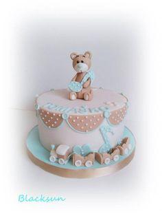 Prekrásna krstinová torta s mackom- Autorka: Blacksun. Tortyodmamy.sk.