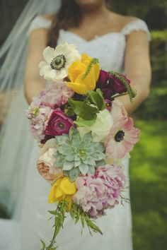 Hayley + Chris // Michelle Scott Photo // Flowers by Amy Osaba