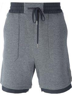 Mens Fitness: Shop Helmut Lang contrast hem shorts in Vitkac fro. Shorts Nike, Jogger Shorts, Joggers, Groom Attire Black, Helmut Lang, Streetwear Shorts, Black Denim Jeans, Mens Activewear, Mens Fitness