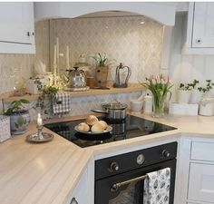 There's the Kate Winslet kitchen again 😍 Open Plan Kitchen, Country Kitchen, New Kitchen, Kitchen Dining, Kitchen Decor, Kitchen Cabinets, Home Design Decor, Interior Design, Home Decor
