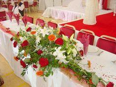 Centros de mesa para 15 años y ramos para casamiento.
