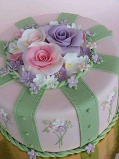 Kuchen - , Weddbook is a content discovery engine mostly specialized on wedding concept. You can collect images, videos or articles you discovered organize them,. Gorgeous Cakes, Pretty Cakes, Amazing Cakes, Fondant Cakes, Cupcake Cakes, Just Cakes, Floral Cake, Occasion Cakes, Fancy Cakes