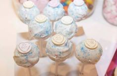 Love you cake pops...  www.lisabscupcakes.com