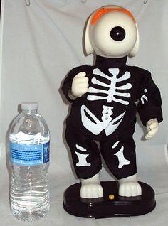 Hip Swinging Snoopy Halloween Figure - Dances to Music