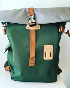 There is real beauty in this pack. It has clean lines, sturdy hardware and leather trim.