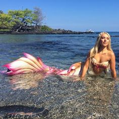 Mermaid Hannah from LA is also an ocean activist, aiming to raise awareness of the ocean and its animal life. | 15 Secrets Professional Mermaids Won't Tell You