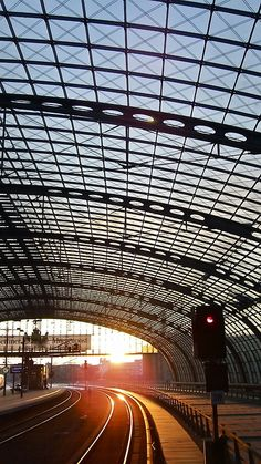 Sunset @ Berlin Hauptbahnhof on a cold winter's sunday in february 2010.