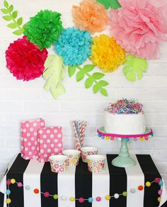 The ultimate guide to making tissue paper flowers. The photo and video tutorial make it so easy. Plus sizing charts, hanging tips and lots of different ideas to decorate with tissue paper flowers. Room Decor For Teen Girls, Crafts For Girls, Kids Crafts, Decor Crafts, Tissue Paper Flowers, Diy Flowers, Paper Roses, Diy And Crafts Sewing, Crafts To Sell