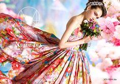 蜷川實花強烈的個人風格作品,在市場上人氣依舊居高不下,許多聯名商品依然持續合作中。其中與KURAUDIA共同推出的婚紗已經來到了第五季,足見 華麗、新娘、蜷川實花、婚紗、第五季