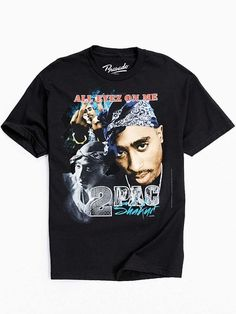 Tupac In Memory Hoodie Sweatshirt - Urban Outfitters 2pac, Camisa Vintage, Estilo Jenner, Looks Hip Hop, All Eyez On Me, Band Outfits, Teenager Outfits, Kanye West, Vintage Shirts