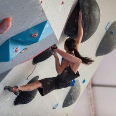 house-under-a-rock: Megan Mascarenas pulling out the ol' heel...