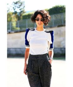 10-Short Curly Haircuts for Women