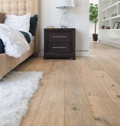Schlossdiele eiche champagne woodlook von wohngesund Hardwood Floor Colors, Wood Tile Floors, Wooden Door Design, Wooden Doors, Floor Design, House Design, Natural Home Decor, Bedroom Flooring, Home Decor Trends