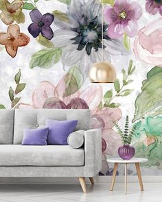 Complete the maximalist interior trend with a bold and cheerful floral mural. Floral wallpaper isn't how you remember it on your grandma's wall - OH NO! It's back in (literally) a big way and can help you perfect maximalist decor. Read more interior desig Bold Wallpaper, Interior Wallpaper, Botanical Wallpaper, Maximalist Interior, Farmhouse Wall Decor, Cool Walls, Room Decor, Trends, Interior Design