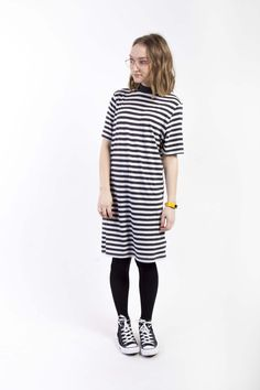Striped casual midi dress with converse for a casual and comfy look for spring Black Hi Top Converse, Dress With Converse, Shirt Dress, T Shirt, Striped Dress, Comfy, Mens Fashion, Spring, Casual