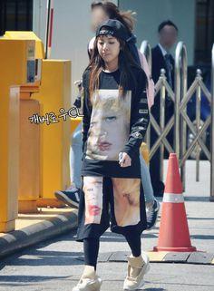 Sandara Park Sandara Park Fashion, Airport Style, Airport Fashion, 2ne1 Dara, Boyish, Girly Outfits, Red Carpet Fashion, Asian Fashion, Skirt Fashion