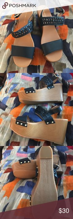 Price ⬇️ Tommy Hilfiger sandals New w/out tags Tommy Hilfiger Shoes Wedges