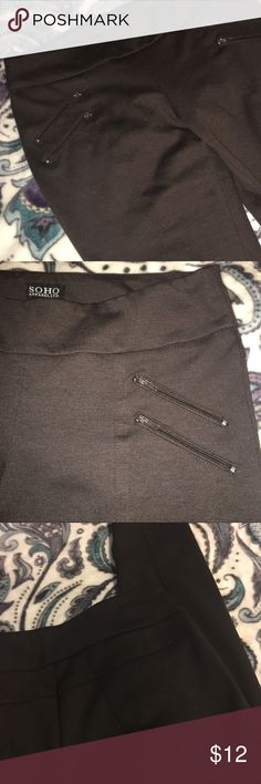 SOHO Moto Zipper jeggings Sz S brown Sorry - the little white stuff is NOT pilling! It's just lint! The pants are excellent condition except for a loose thread along a seam line (shown in last pic). Only worn a couple times. These pants are SO flattering! I love the cut and the seamlines (I tried to show in pics but they're easier to see in person) they have the perfect amount of stretch. Can be dressed up or down. They say size small but I usually wear a large and they fit me just fine…