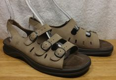 d59d5d1e98d4 Clarks Springers Sunbeat Sandal Taupe Nubuck Three Strap Made In Italy Wmn  Sz 10