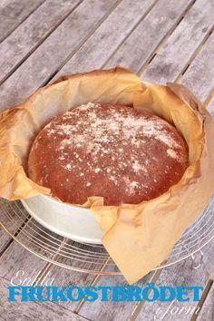 enkla frukostbrödet Lollipop Candy, Candy Cookies, Swedish Recipes, Bread Baking, Crackers, Bread Recipes, Nom Nom, Pancakes, Bakery
