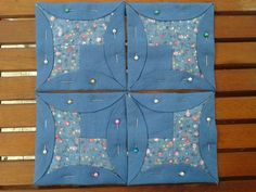 Billedresultat for atarashii patchwork tutorial Cathedral Window Quilts, Cathedral Windows, Patchwork Tutorial, Quilting Tutorials, Quilting Designs, Quilt Block Patterns, Quilt Blocks, Diy Quilt, Kaleidoscope Quilt