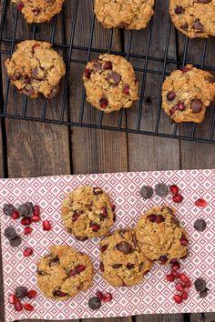Pomegranate Chocolate Chip Oatmeal Cookies (Gluten-Free & Vegan) - Free People Blog