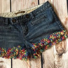 Get ready for summer and festival season with these DIY Upcycled Jean Shorts! Each kit comes with yarn and a pattern. Get ready for summer and festival season with these DIY Upcycled Jean Shorts! Each kit comes with yarn and a pattern. Diy Shorts, Diy Jeans, Modest Shorts, Long Shorts, Summer Shorts, Jeans Refashion, Diy Summer Clothes, Diy Clothes, Summer Outfits