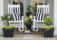 Create a Patio Oasis with Southern Living Plants - Sincerely, Sara D. Southern House Plans, Southern Living, Country Living, Farmhouse Patio Doors, Farmhouse Furniture, Patio Plans, Pergola Plans, French Country Farmhouse, Country Primitive