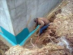 How to waterproof a basement and fix groundwater and flooding basements. This is a guaranteed solution to seal and waterproof a basement, without using numer. Basement Remodel Diy, Basement Walls, Basement Renovations, Home Remodeling, Basement Waterproofing Paint, Leaking Basement, Best Laminate, Laminate Flooring, Home Repairs