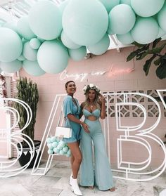 The Perfect Blue Baby Shower Gown - Sexy Mama Maternity - Hey Mamas! It's time to talk BLUE. Just like pink, blue is an extremely popular baby shower theme - Idee Baby Shower, Baby Boy Shower, Boy Baby Showers, Mint Baby Shower, Tiffany Baby Showers, Baby Shower Backdrop, Boy Baby Shower Themes, Baby Shower Balloons, Shower Party