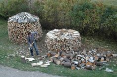 Watch Steve Maxwell's video on how to stack firewood in traditional round piles. Save time, enjoy more stable piles and create a more beautiful homestead.