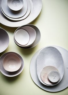handmade porcelain collection by dietlind wolf at piet boon shop photo : arjan benning Ceramic Plates, Porcelain Ceramics, Ceramic Pottery, Ceramic Art, Fine Porcelain, Wabi Sabi, Earthenware, Stoneware, Assiette Design