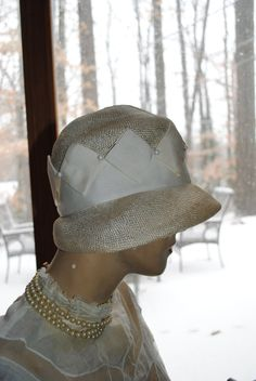 1920 Cloche Hat Vintage White Straw Flapper Hat  Love the ribbonwork!