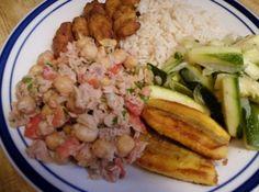 Receita de Salada de Grão de Bico com Atum - salada fica realmente gostosa. Se preferir uma receita mais light use o atum em água e sal. ...