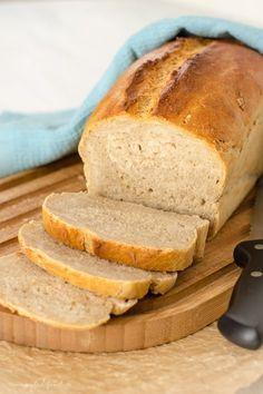 Baking the perfect bread: the crispy crust Joyful Das perfekte Brot backen: die Knusper Kruste Banana Bread Recipes, Cake Recipes, Pizza Recipes, Bread Bun, Easy Bread, Pampered Chef, Food Cakes, Bread Baking, Bread Food