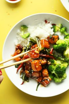 Extremely flavorful, General Tso's Tofu Stir Fry in just 30 minutes! Spicy-sweet, protein-packed, and a healthier spin on takeout!