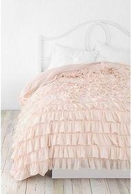 Comforter in light neutral