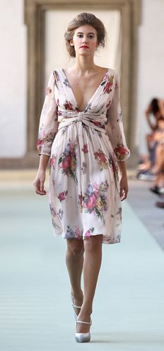 Rose floral printed chiffon draped dress Pearl grey silk and gold shoes - luisabeccaria collection - Spring-summer 2012