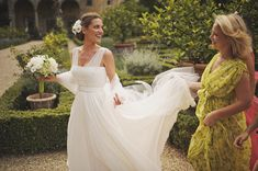 dress, setting, bouquet, long, outdoor, garden, a-line, classic, sleeves, wedding dresses, white, hairstyles, up-do, Processional, Summer, destination, bride, dresses, wedding, Florence