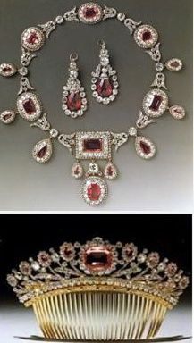 Bagration Parure necklace earrings & hair comb to match the tiara The entire was purchased by Duke of Westminster