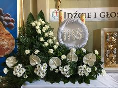 相關圖片 Altar, Funeral Flowers, Roman Catholic, Love Flowers, Communion, Flower Arrangements, Scrapbook, Wreaths, Table Decorations