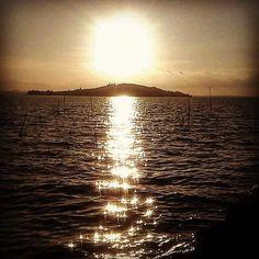 "roberta1328: ""TRAMONTO LAGO TRASIMENO .#tramonti__italiani #tramonti #sunset_pics #sunsets_ng #trasimeno_lake #lagotrasimeno #sky #cielo #skysunset #umbria_bestsunset #infinity_skysunset #trasimeno #world_beautiful_sky #la_sky #italiainunoscatto_hdr_sunset #best_sky_pics #best_sunset_capture #umbria #italy #ig_sunsetshots #unilimitedsunset #world_skyshotz #bsn_sunset #volgoumbria_ #volgoperugia #lory_sky #loryandalpha#best_sunset_pics #scattaingiro #fotolaghiditalia"""