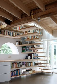 Smart use of the stairs height. House maxwan architects staircase home library angle Home Libraries, Built In Bookcase, Bookcases, Bookcase Stairs, Stair Shelves, Shelving, Corner Shelves, Wall Shelves, Under Stairs