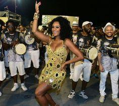 Elas entram no Sambódromo à frente do coração das escolas de samba, a bateria, e abrilhantam os desfiles com beleza e samba no pé. Conheça as rainhas de bateria do grupo especial do Carnaval 2017 em...
