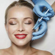 Не секрет, что примерно с двадцати пяти лет на нашей кожей начинают появляться первые признаки старения: она теряет эластичность и упругость, становясь более сухой. Прибегнуть к помощи хирургических процедур, направленных на омоложение кожи, решиться не каждая. Именно для таких женщин сегодня существует абсолютно новая нехирургическая методика омоложения лица – процедура биоревитализации.