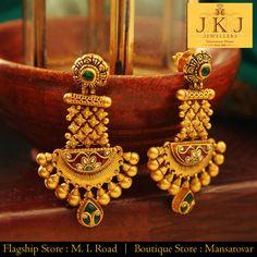 Gold Jewelry In Egypt Refferal: 9049779432 Gold Jewelry For Sale, Gold Jewelry Simple, Golden Jewelry, Coral Jewelry, Silver Jewelry, Gold Jhumka Earrings, Gold Earrings Designs, Gold Designs, Gold Necklace