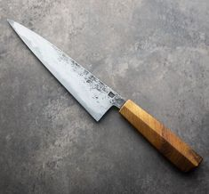 New from Dan Prendergast, a hidden-tang san mai chef knife measuring / long and featuring a beautiful lilac wood handle. Global Knives, Global Knife Set, Best Chefs Knife, Trench Knife, Fancy Kitchens, Hard Metal, Heat Treating, Handmade Knives, Knife Sharpening